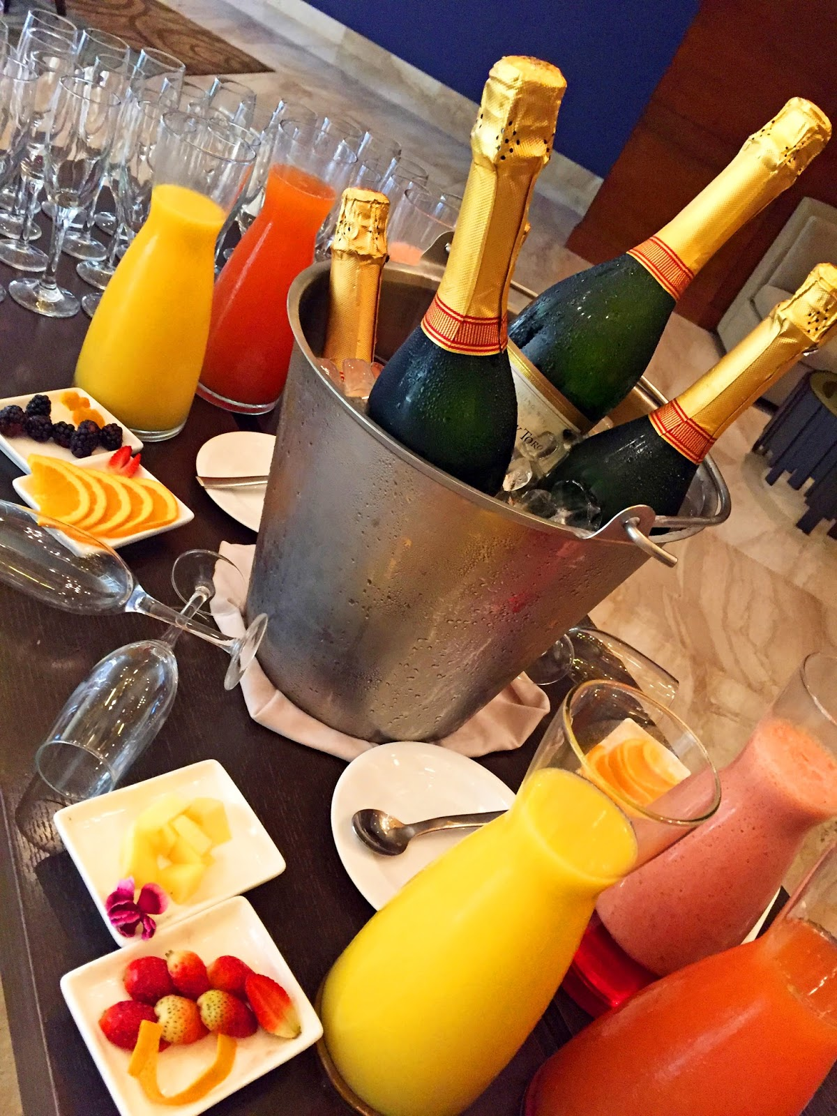 Enjoy your brunch with some delicious mimosas!