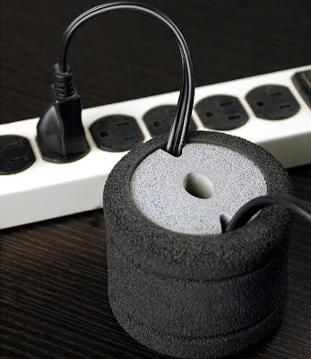Clever Cable Organizers and Cool Cable Holder Designs (15) 7