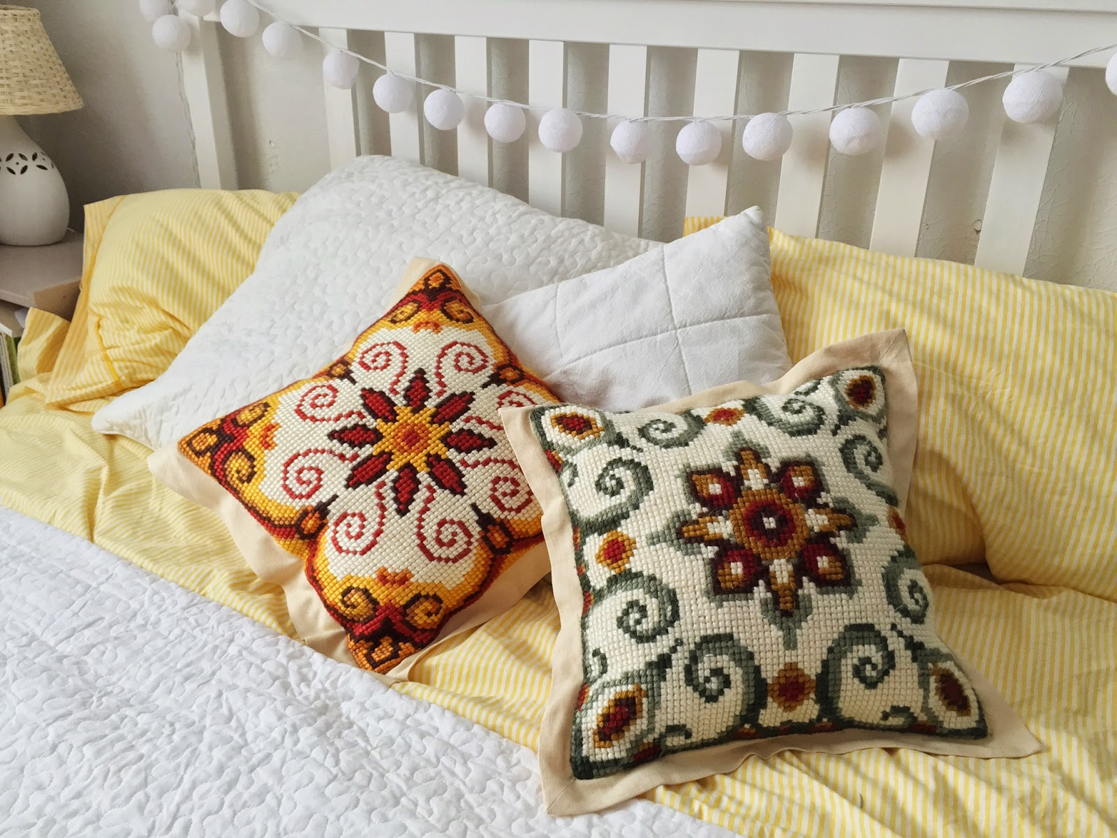 Вышивка подушки шерстяными нитками