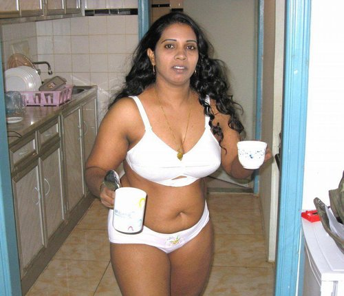 Beautiful bhabhi South Indian hot