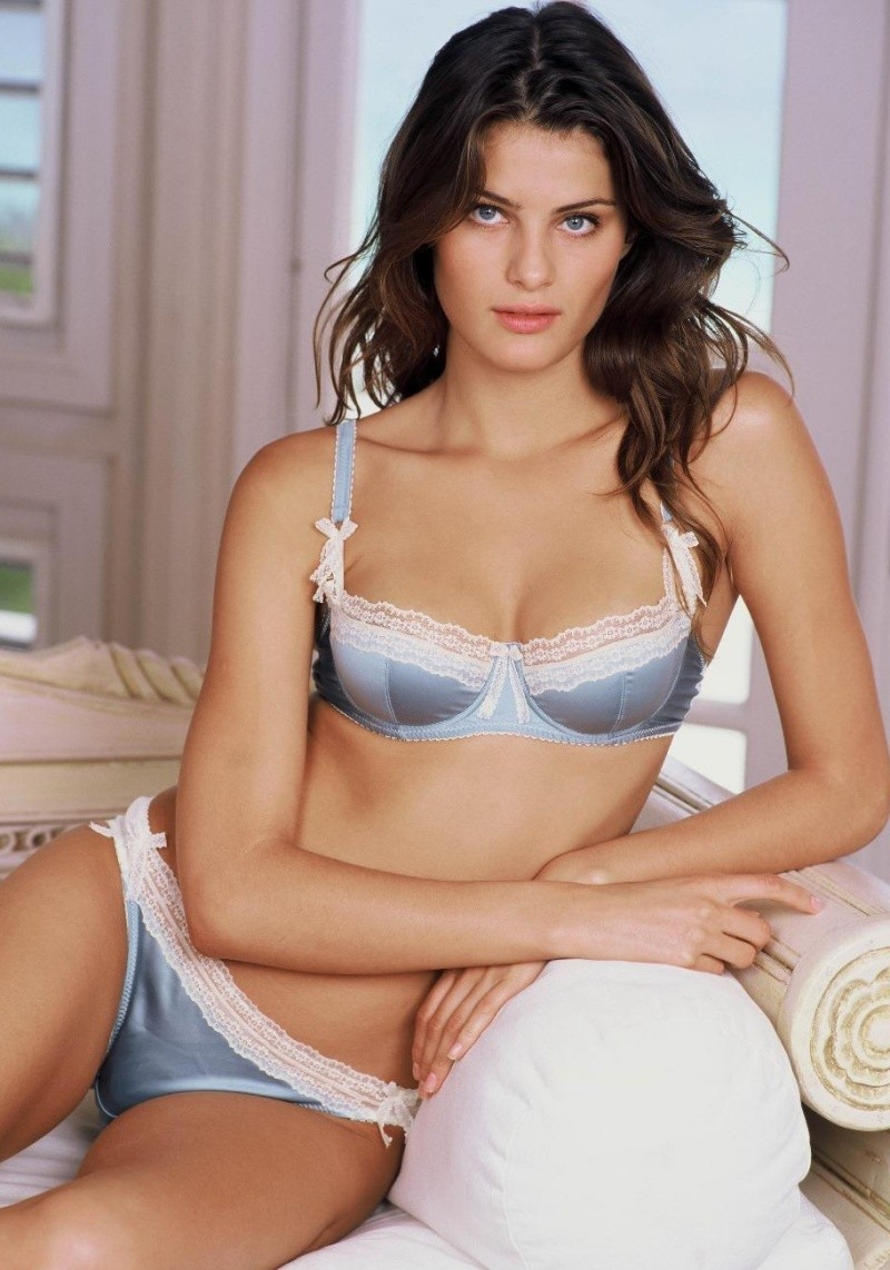 Isabeli Fontana - Photo Colection