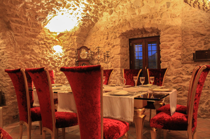 Top restaurants bars in molise heights osteria o for O bar private dining room