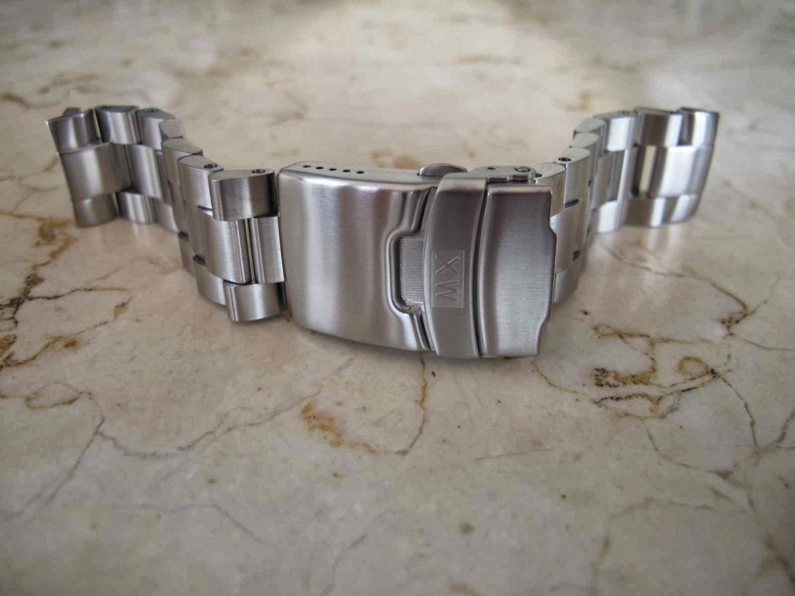 Cocok untuk jam tangan Seiko DIver 6309 7040 Anda yang barangkali bosan memakai rubber strap atau tali kulit