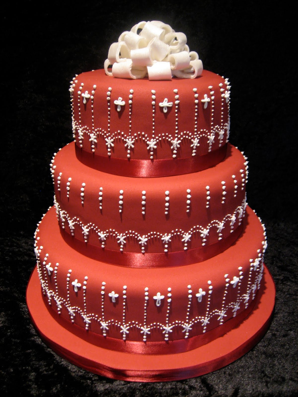 Beautiful Bridal Red and White Wedding Cakes