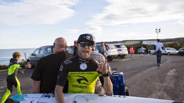 foto asp kirstin rip curl pro bells beach Mick Fanning 02