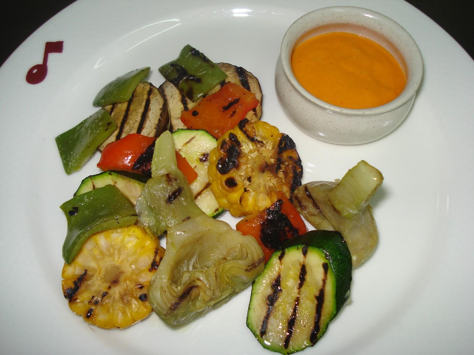 Kabanova comedor parrillada de verduras con salsa romescu for Parrillada verduras
