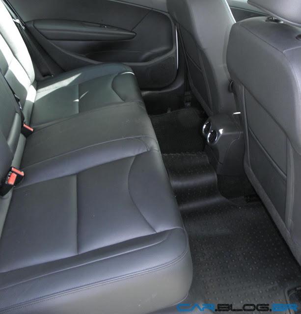 Peugeot 408 Allure 2012 Automático - por dentro