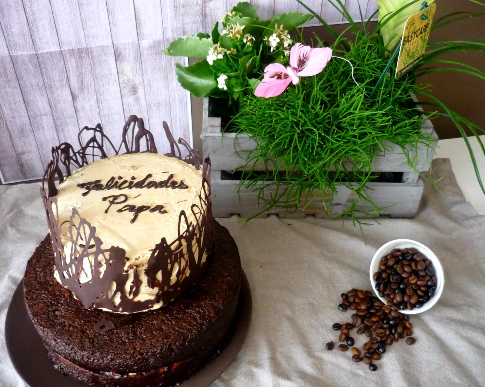 Jessica 39 s sweet cakes pastel de caf y nueces con chocolate y amaretto - Decoracion con chocolate ...