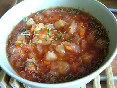 Zupa pomidorowa ze słodką kapustą