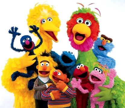 Foto de Plaza Sésamo con algunos de sus personajes