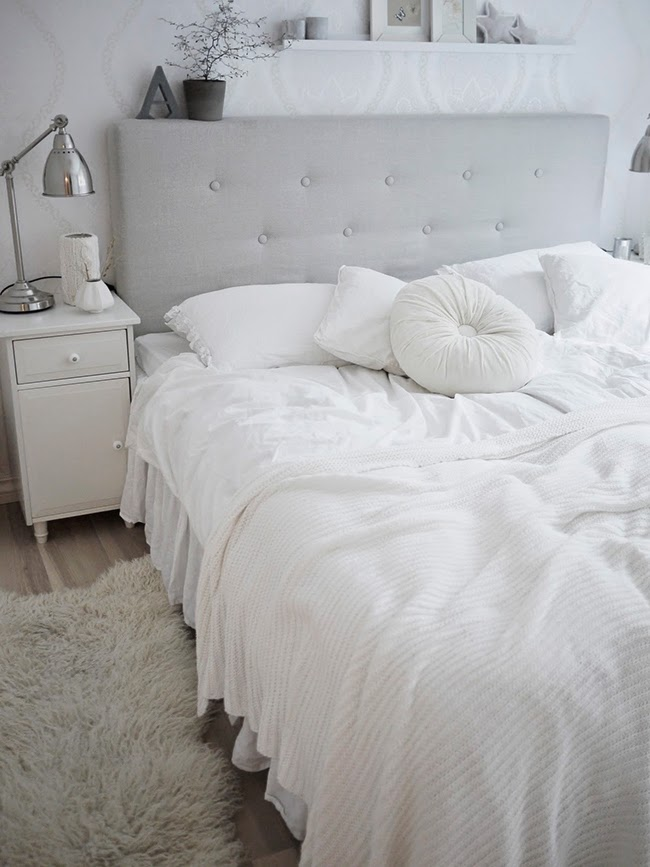 La elegancia de un dormitorio blanco total boho deco for Dormitorio ikea blanco