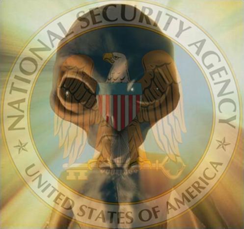 un mix in soprimpressione nel logo NSA e un extraterrestre