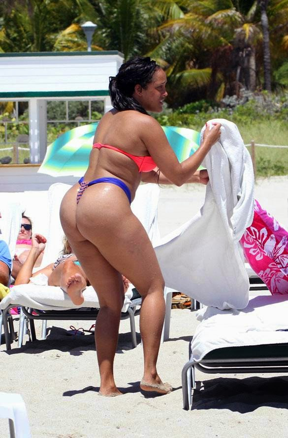 Big Butt Club World Wide: BIG BOOTY ON THE BEACH -- LATINA ...