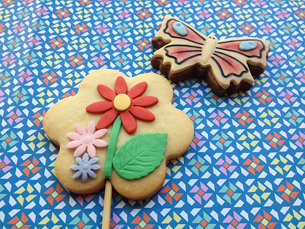 galletas decoradas flores y mariposa