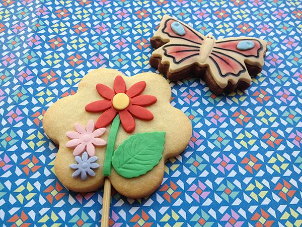 galletas decoradas flores y mariposa