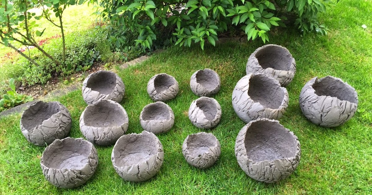 betonplausch betonplausch fleissig am betonkugeln herstellen. Black Bedroom Furniture Sets. Home Design Ideas