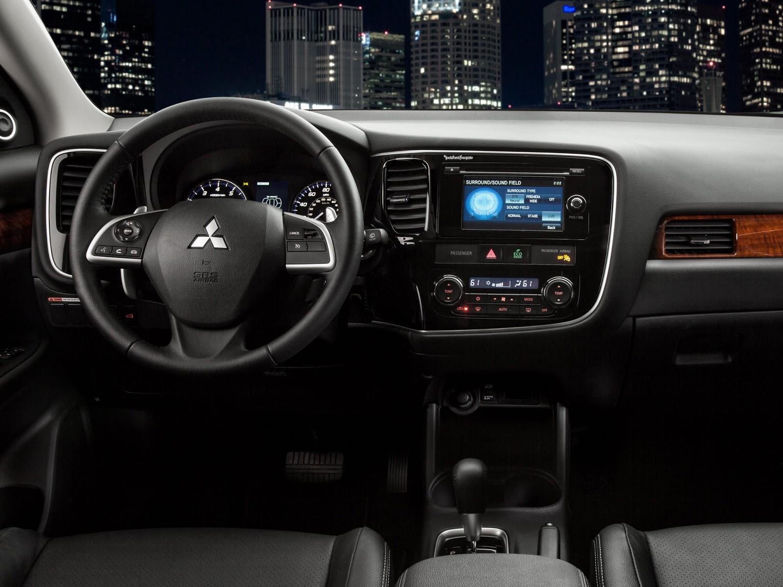 novo Mitsubishi Outlander 2014 interior