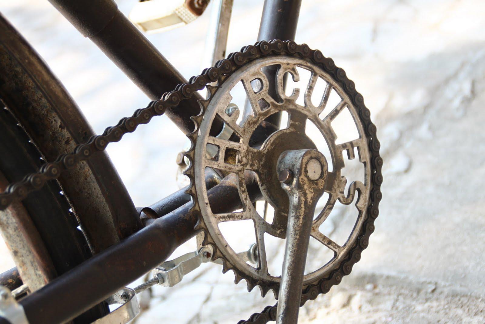 KIOS BARANG ANTIK: Sepeda Onthel Merk HERCULES