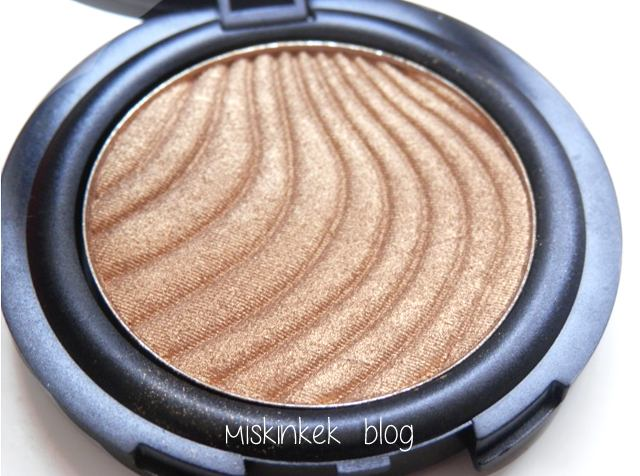 flormar-metallic-golden-eye-shadow-swatches-a003