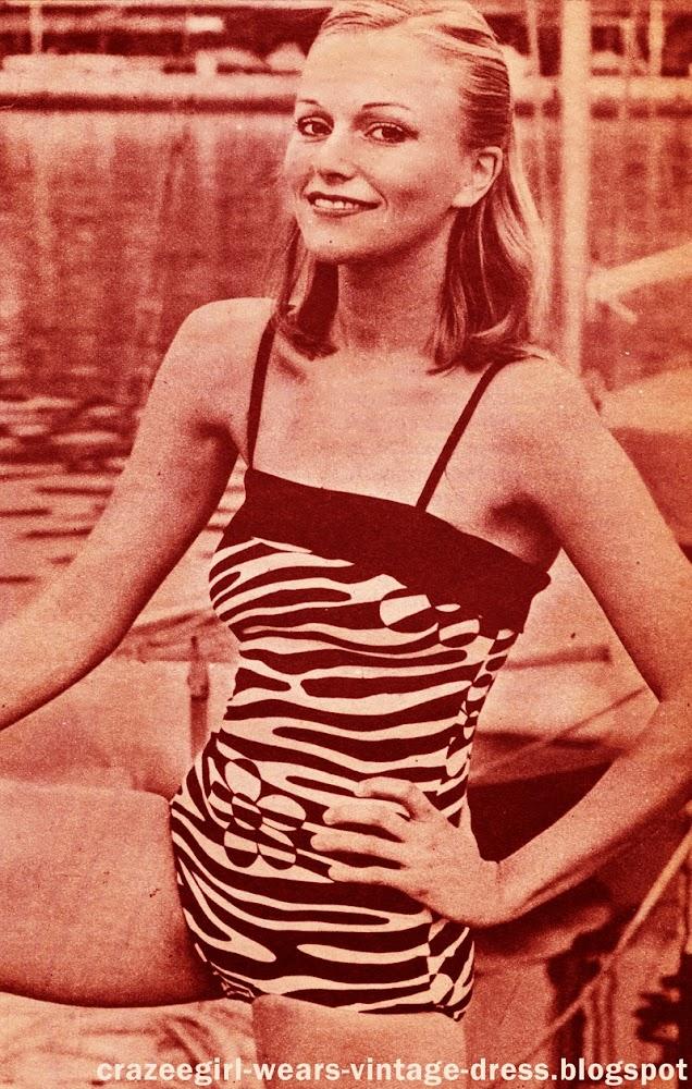 vintage swimsuit geometric polka dot stripe animal print black white noir blanc 70s 1970 1973 années 70 Bikini - Paco Rabanne Deux pieces rayé à petit pois - Emmanuel Ungaro Maillot de bain 1 pièce - Jean Patou
