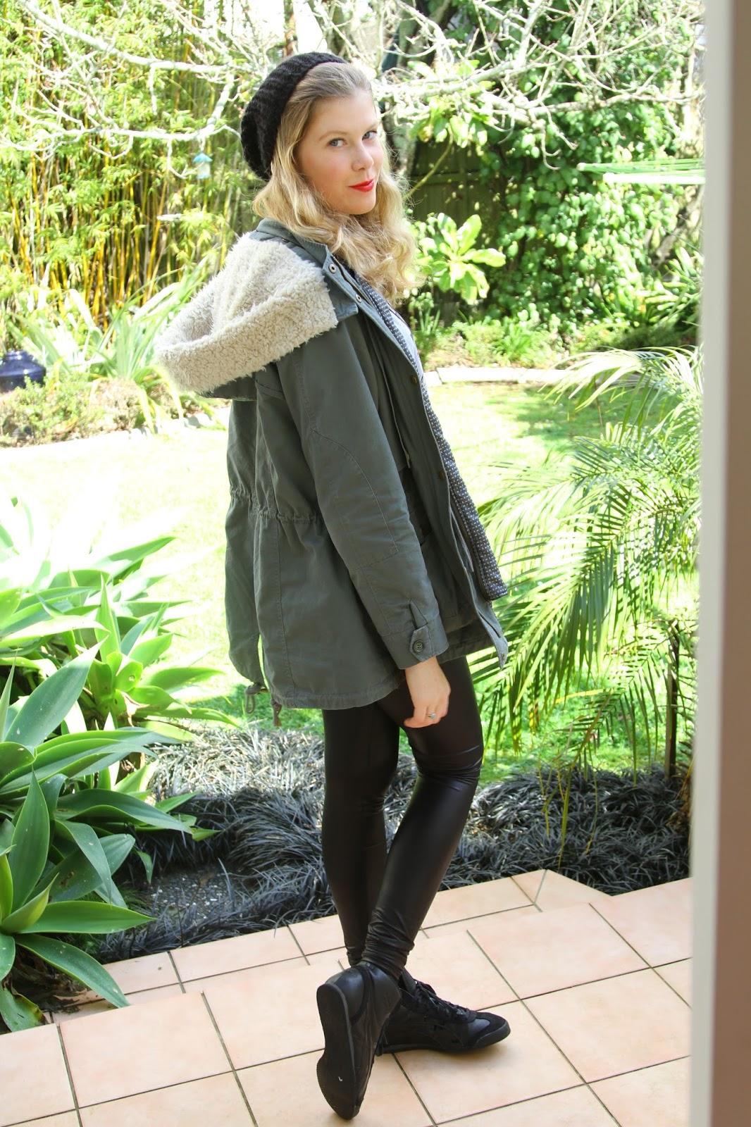 6feetofdork Leather Legging Outfit Ideas