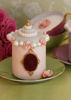 Marie Antoinette Perfume Bottle mini cake