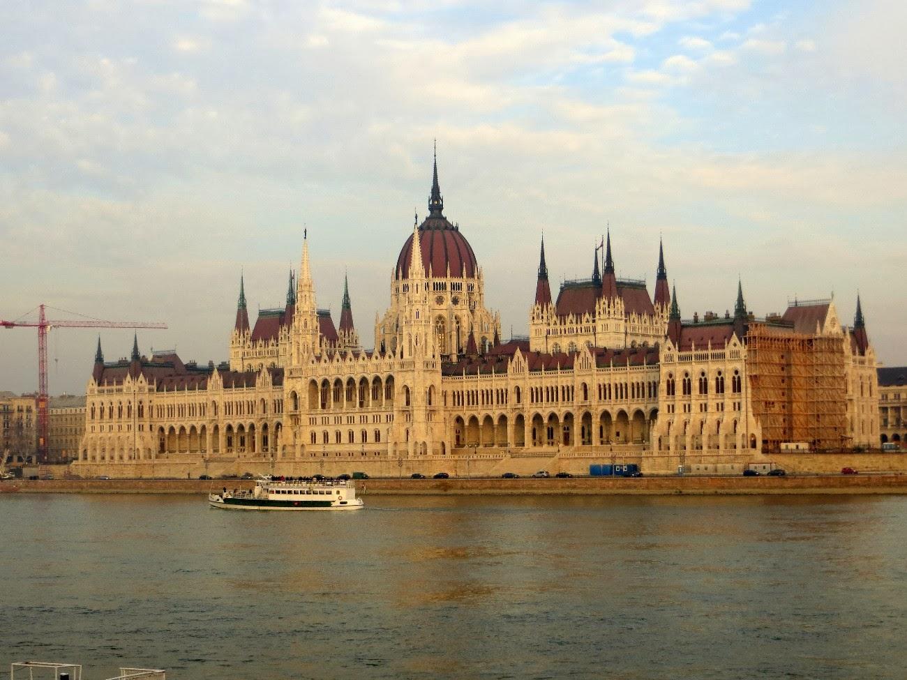Budapest cosa vedere in due giorni for Il parlamento