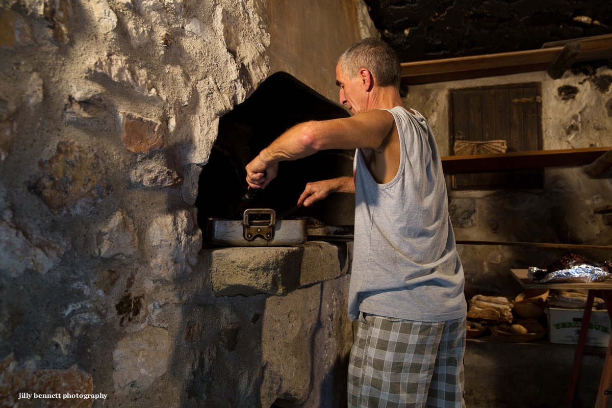 Menton daily photo: fete du four   the ancient oven and franco