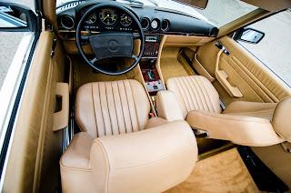 37 Mercedes-Benz 560SL R107 1988