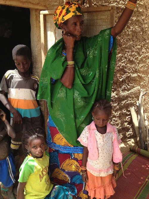 Roukayatou and her children #ShareNiger