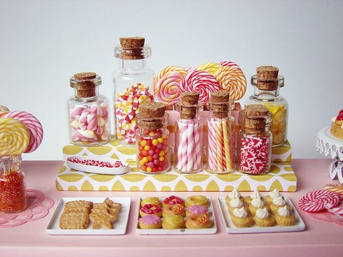 23-Stéphanie-Kilgast-Incredible-Miniature-Foods-Savoury-Sweet-Dishes-Dolls-House-www-designstack-co