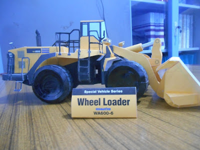 papercraft wheel loader