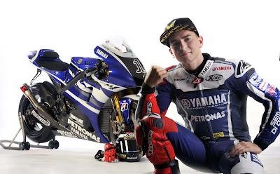 2011 Yamaha YZR-M1 MotoGP Jorge Lorenzo Pictures