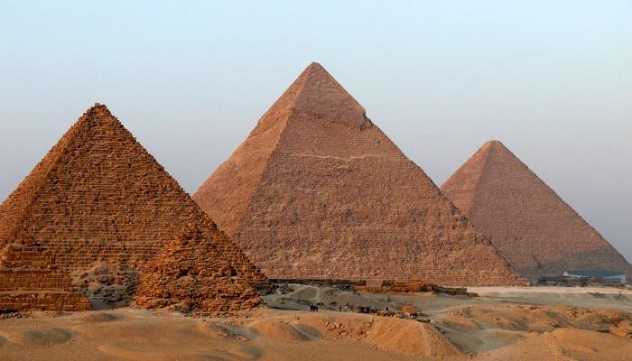 سر بناء الأهرامات مذكور في القرآن الكريم منذ 1400 سنة