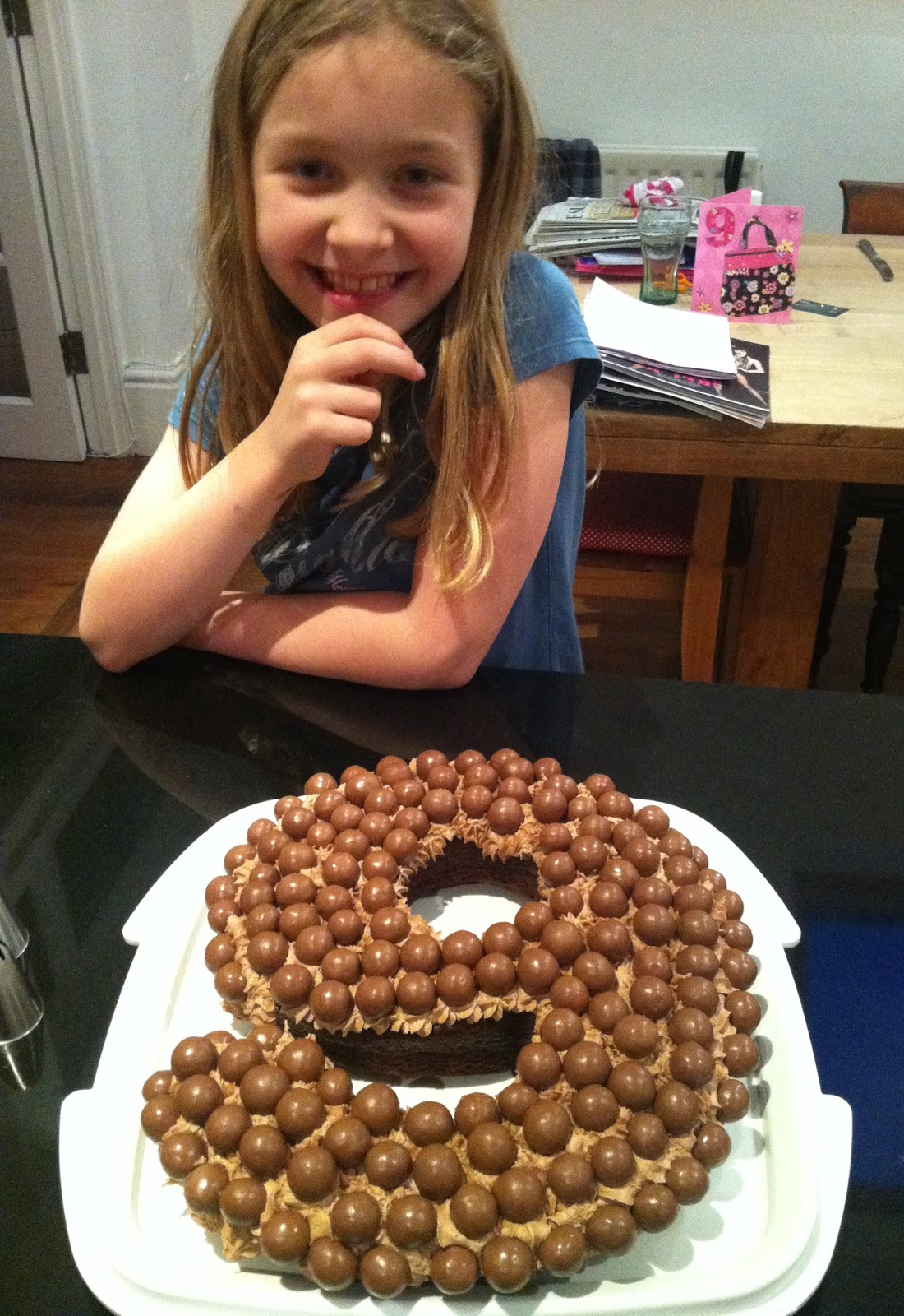 picture How to Make a Malteser Cake