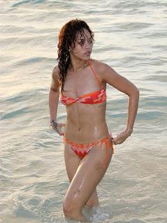 Rihanna Beach Pics, Rihanna Bikini Pics