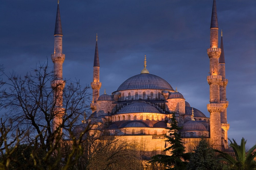 Welcome to the Islamic Holly Places: Sultan Ahmed Mosque ...