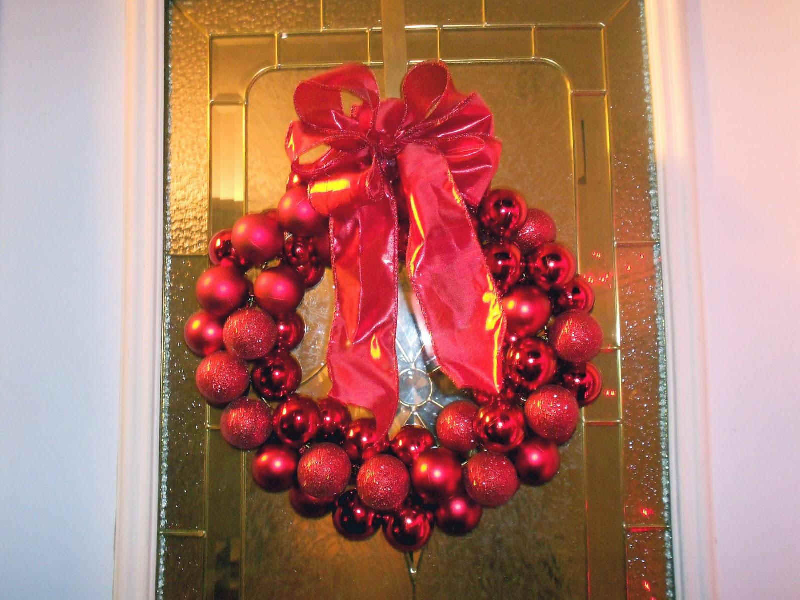 6 dollar wire hanger christmas ornament wreath and bow tutorial 6 dollar wire hanger christmas ornament wreath and bow tutorial six sisters stuff six sisters stuff solutioingenieria Gallery