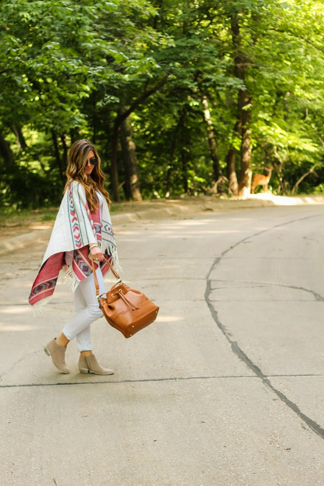 poncho-aztec-style-fashion-blogger