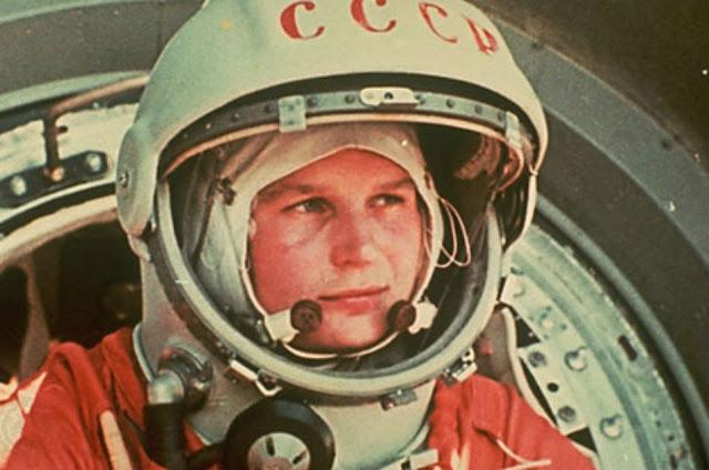 Nữ phi hành gia Valentina Vladimirovna Tereshkova người Xô Viết đã bay vào không gian 50 năm trước trên tàu Vostok-6. Credit: Roscosmos.