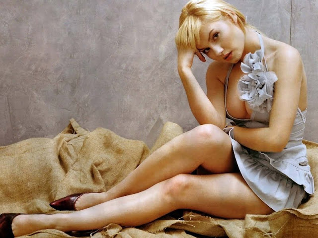 actress Elisha Cuthbert picture 2011