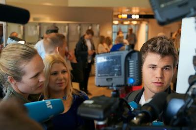 Le Roi des échecs Magnus Carlsen est à Tromso - Photo © Susan Polgar