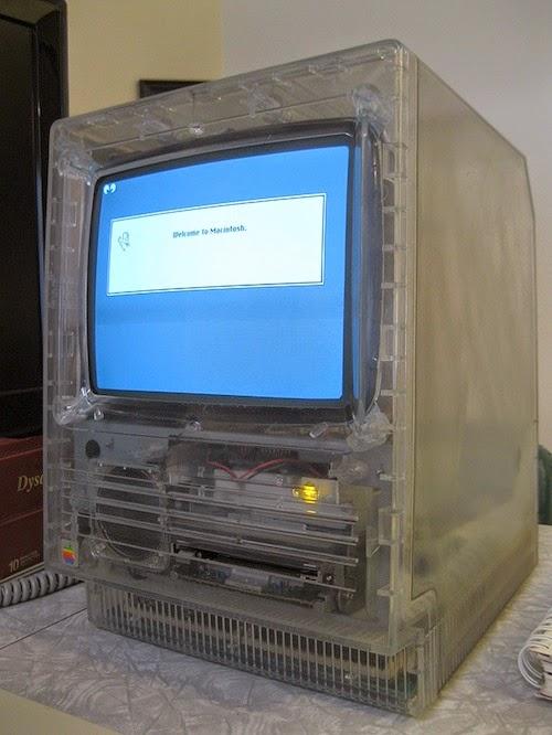 Macintosh SE в прозрачном корпусе