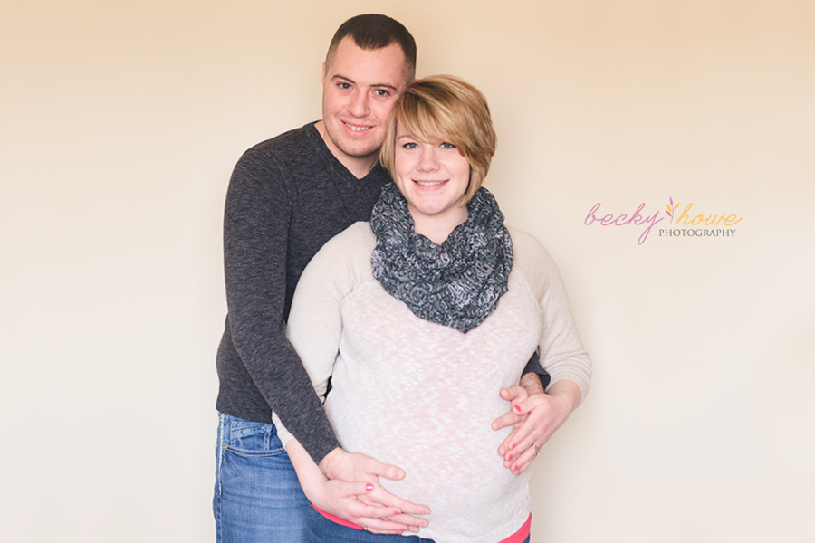 omaha maternity photographer  pregnant lifestyle