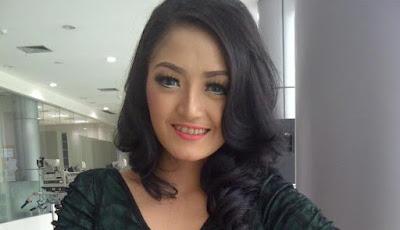 Download Kumpulan Lagu Siti Badriah Mp3 Lengkap