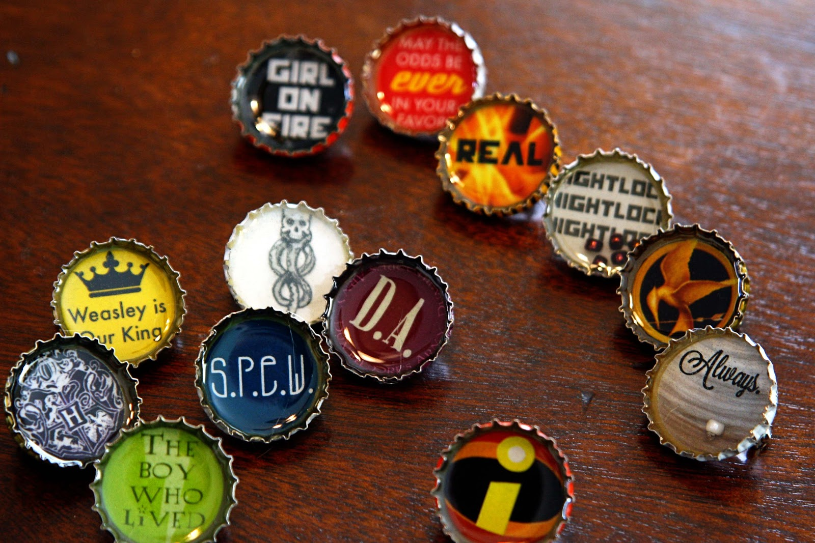 resin bottle cap pins tutorial with harry potter and