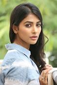Pooja hegde gorgeous photo shoot-thumbnail-31