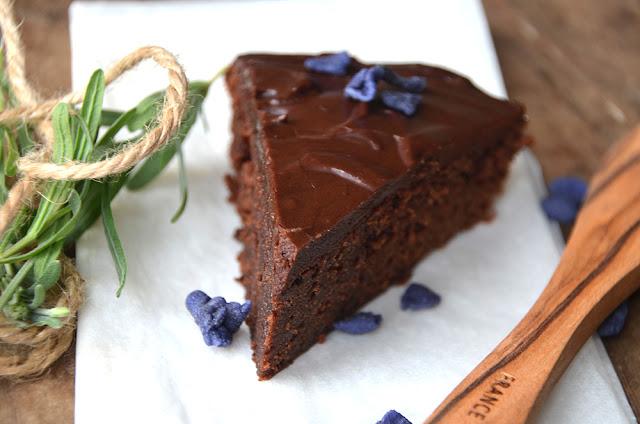blødende chokoladekage nem