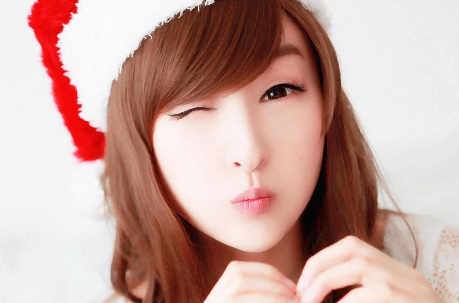 http://2.bp.blogspot.com/-H6MPlM6vqHM/UIoHcH4kEXI/AAAAAAAAAAM/Ehrcecdbr8E/s1600/lin-ketong-cute-a-wallpaper_1598x1056_84133.jpg