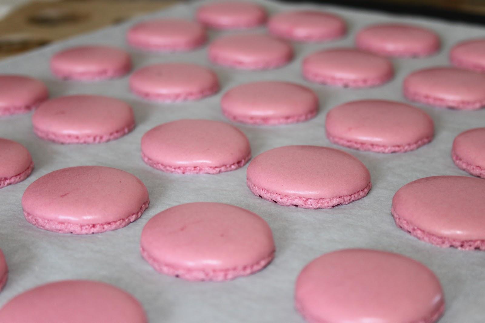 La cuisine de bernard macarons aux framboises - Mesurer sucre sans balance ...